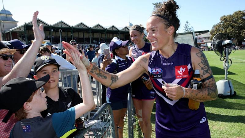 AFLW DOCKERS CATS