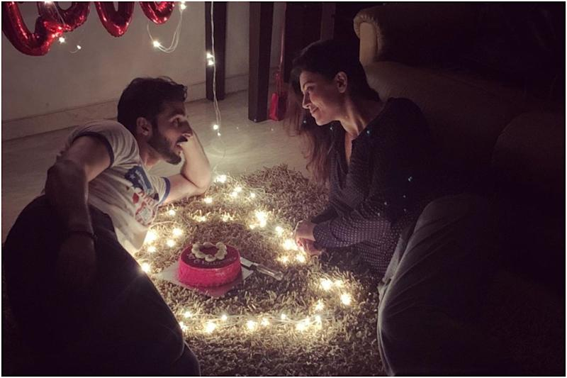 Sushmita Sen's Valentine's Day 2020 Pictures with Boyfriend Rohman Shawl are Too Cute to Handle