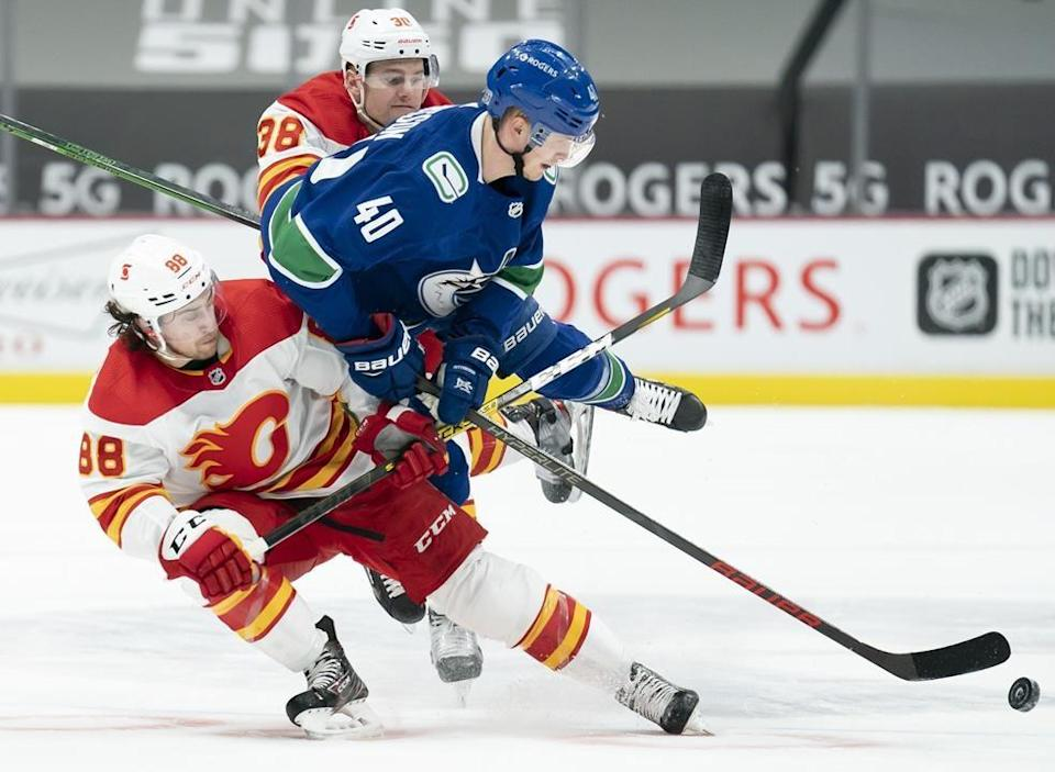 Gaudreau Scores Ot Winner As Flames Edge Canucks 4 3 In Dramatic Fashion