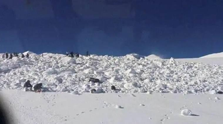 Avalanche hits J&K, Machil avalanche, Three soldiers killed in J&K avalanche, Jammu and Kashmir news, Indian army, soldiers killed in avalanche, Indian express