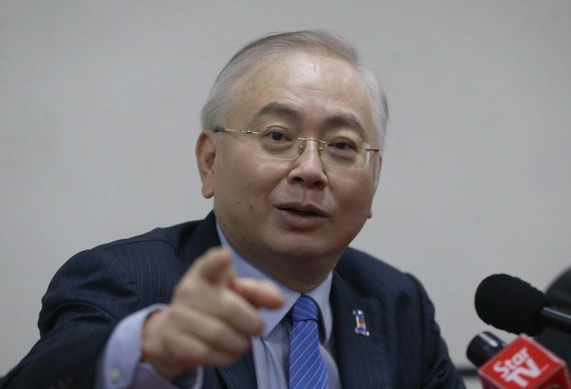In debating the royal address today, Wee said that the powers of the Finance Ministry have been diluted. — Picture Razak Ghazali