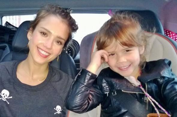Jessica Alba and daughter Honor enjoy girly sightseeing trip to Paris