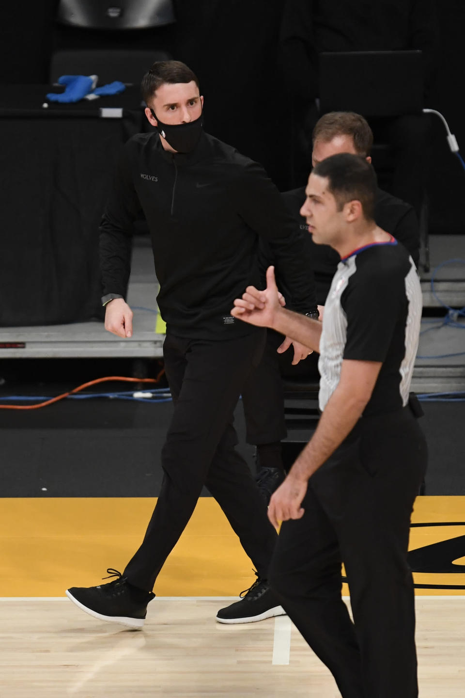 Minnesota Timberwolves head coach Ryan Saunders argues a call during the first half of an NBA basketball game against the Los Angeles Lakers in Los Angeles, Sunday, Dec. 27, 2020. (AP Photo/Kyusung Gong)
