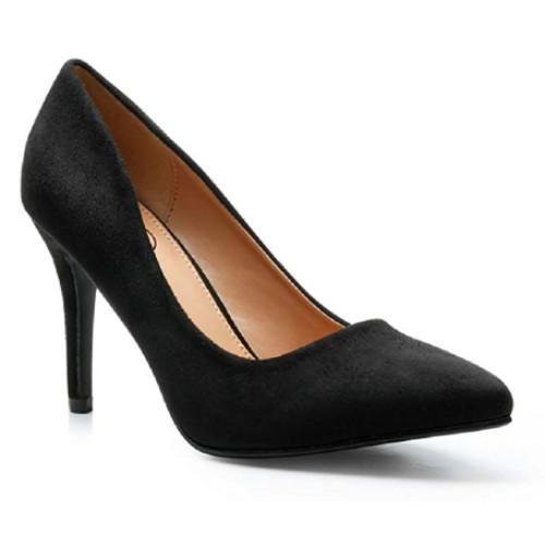 More of a pointy-toe, for a tiny bit of edge. (Photo: Amazon)