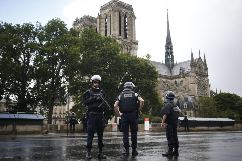 Paris: Police shoot man who attacked officer at Notre Dame cathedral