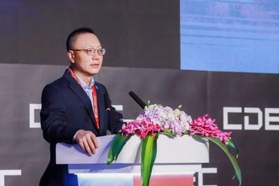 Perfect World CEO Dr. Robert H. Xiao delivers a keynote speech in CDEC on July 29. (PRNewsfoto/Perfect World)