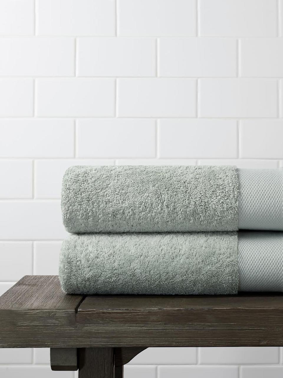 "<h2><h2>Plush Bath Towel</h2></h2><br><br><strong>Boll And Branch</strong> Plush Bath Towel, $, available at <a href=""https://go.skimresources.com/?id=30283X879131&url=https%3A%2F%2Fwww.bollandbranch.com%2Fproducts%2Fplush-bath-towel%3Fvariant%3Deucalyptus"" rel=""nofollow noopener"" target=""_blank"" data-ylk=""slk:Boll And Branch"" class=""link rapid-noclick-resp"">Boll And Branch</a>"