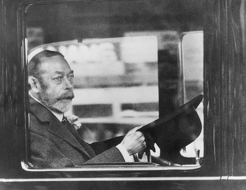 "FILE In this June 28, 1935 file photo, Britain's King George V appears before his subjects, in London. In choosing to call their first child George Alexander Louis, on Wednesday, July 24, 2013, Prince William and his wife, Kate, selected a first name steeped in British history.While ""George"" means farmer and earth worker _ not trades typically associated with British royals _ it has been borne by six kings. (AP Photo, File)"