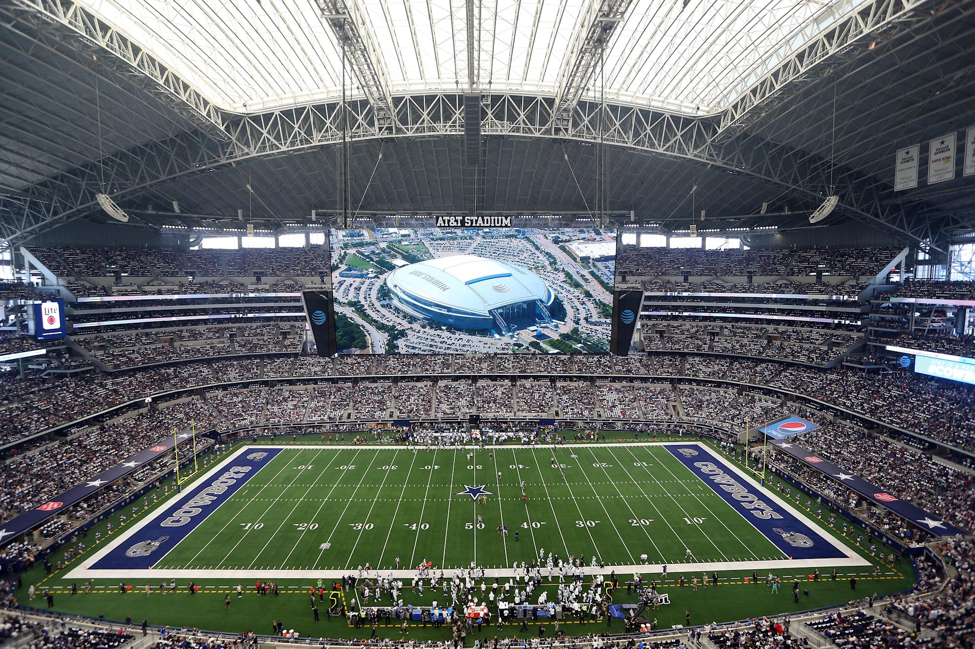 Ncaa Texas High School Title Game Draws Larger Crowd Than Bowl Games