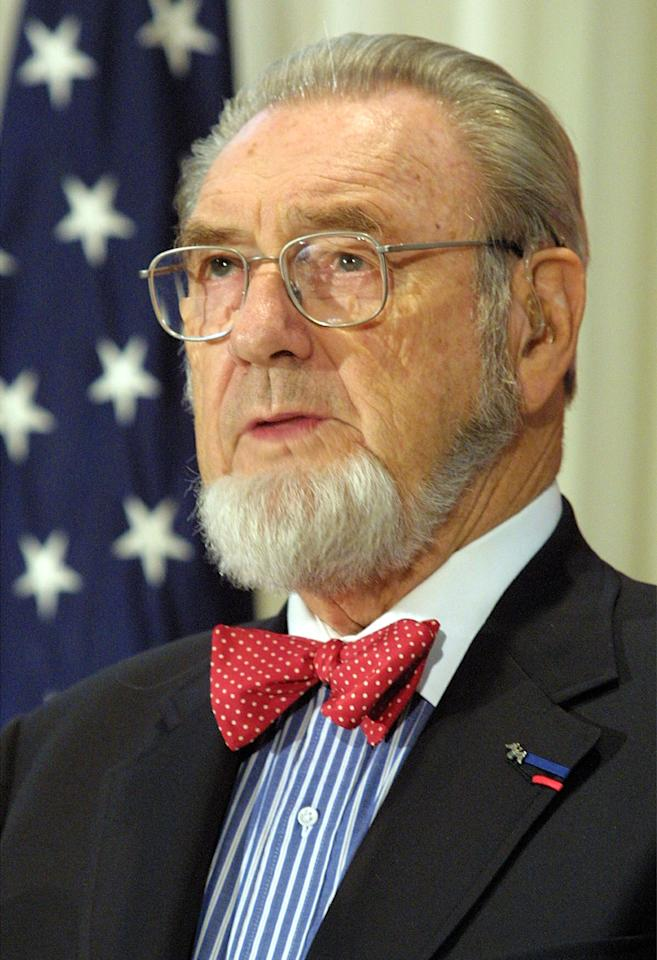 397791 04: Former U.S. Surgeon General C. Everett Koop speaks during a press conference in response to a report released by the National Cancer Institute (NCI) on the impact of light and low tar cigarettes November 27, 2001 in Washington, DC. The NCI report concluded that light and low tar cigarettes do not reduce smokers'' health risks. (Photo by Alex Wong/Getty Images)