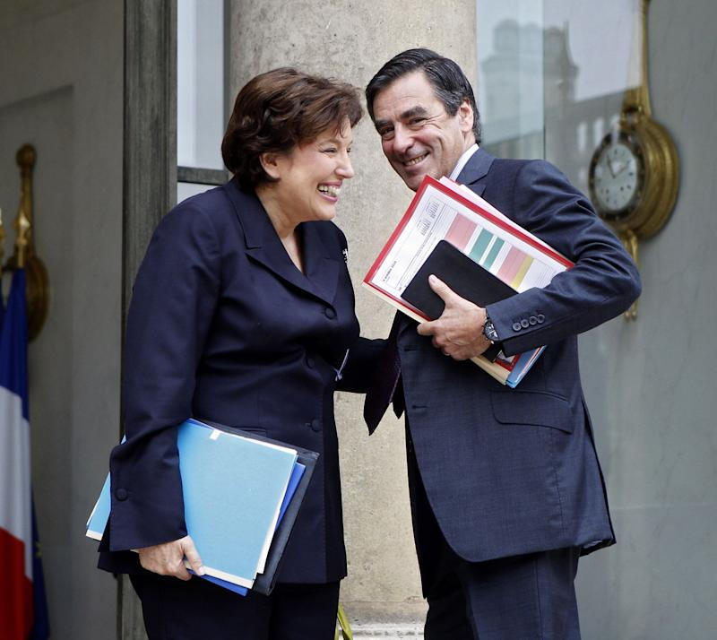 François Fillon ici avec l'ex-ministre de la Santé Roselyne Bachelot à l'Elysée le 6 octobre 2010. (Photo: ASSOCIATED PRESS)