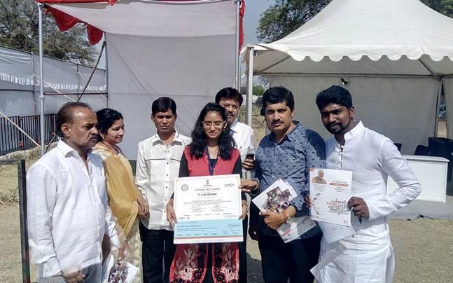 Latur girl bags Rs 1 crore prize for a Rs 1,500 digital transaction under Modi's Lucky Grahak scheme