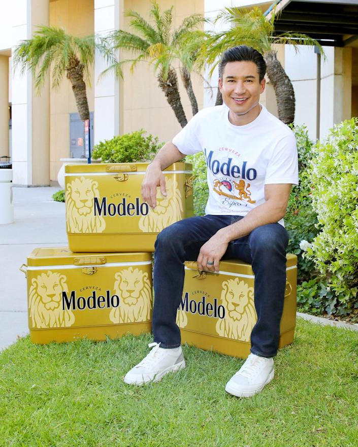 <p>Mario Lopez teams up with Modelo to thank healthcare workers at Providence Saint Joseph Medical Center in Burbank on Monday.</p>