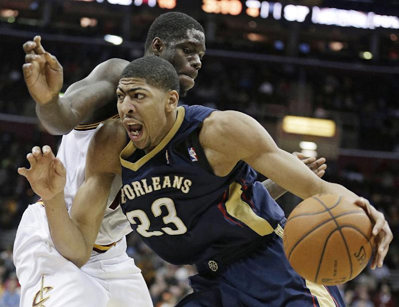 Anthony Davis out with injured finger