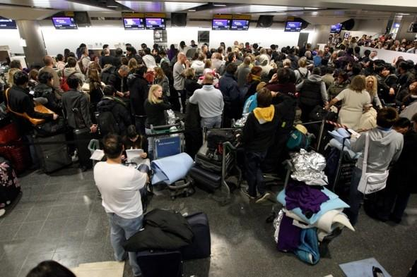 Airlines warn of Easter chaos over Border Force shortage
