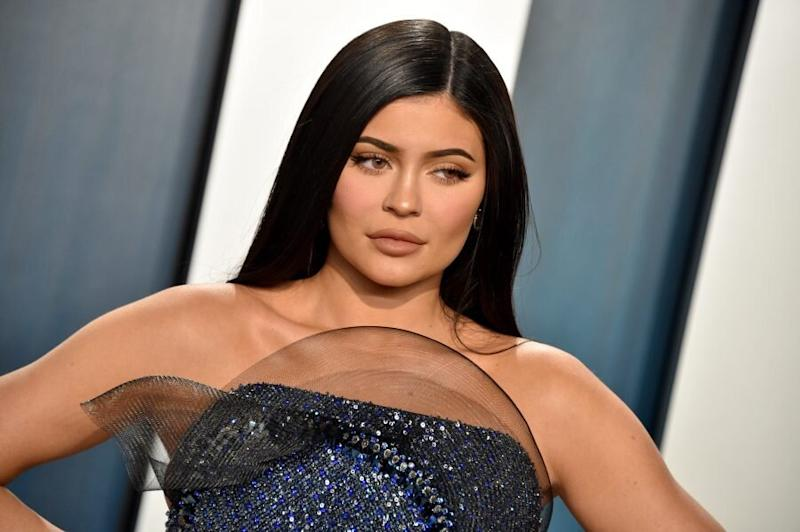 Kylie Jenner is bringing back the side bang, and this whole look is very 2009