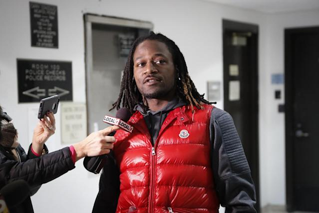 "<a class=""link rapid-noclick-resp"" href=""/mlb/players/7812/"" data-ylk=""slk:Adam Jones"">Adam Jones</a> talks to reporters after being released from jail earlier this month. (AP)"
