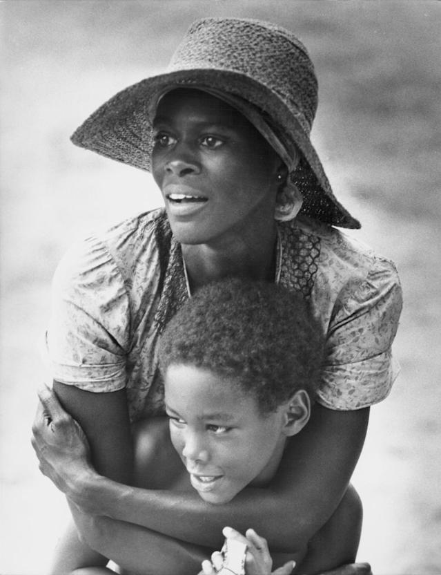 "Cicely Tyson stars in a scene from ""Sounder"" in 1972. (Photo: Stanley Bielecki Movie Collection/Getty Images)"