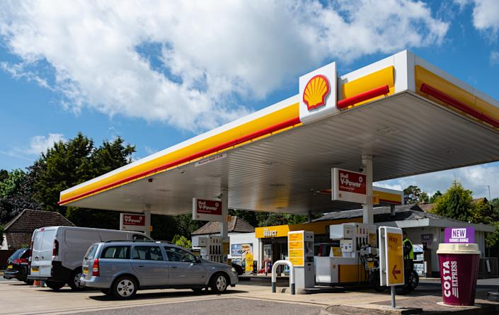 Newbury, United Kingdom - May 27 2019:   The forecourt of the Shell petrol station on London Road