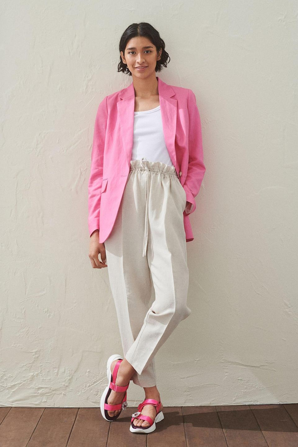 <p>You can style these <span>H&amp;M Linen-blend Pull-on Pants</span> ($25) with a blazer to dress them up.</p>