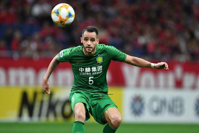 Renato Augusto lidera o Guoan, 1º colocado do Campeonato Chinês (Etsuo Hara/Getty Images)