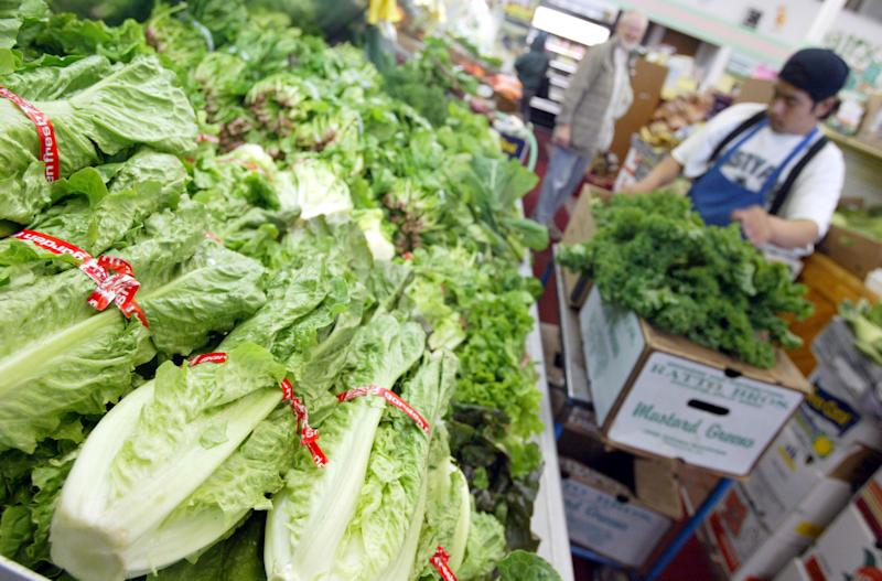 Spreading E.coli outbreak prompts USA lettuce warning