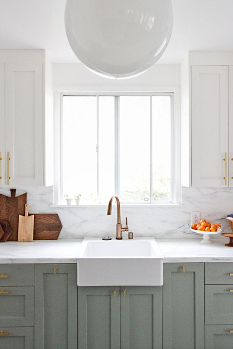 Why Two Toned Kitchen Cabinets Are The Trend You Ll Be Seeing Everywhere