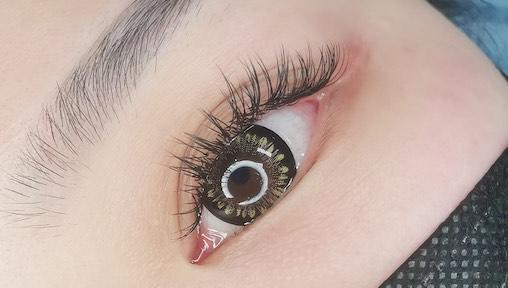 Eyelash Extensions: The Top Eyelash Extension Salons in Singapore For Fluttery, Long-Lasting Lashes