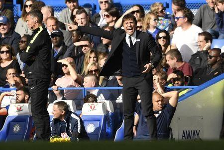 Britain Soccer Football - Chelsea v Crystal Palace - Premier League - Stamford Bridge - 1/4/17 Chelsea manager Antonio Conte   Action Images via Reuters / Tony O'Brien Livepic