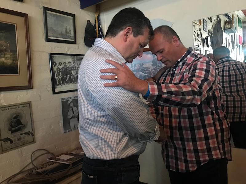 Sen. Ted Cruz with a supporter