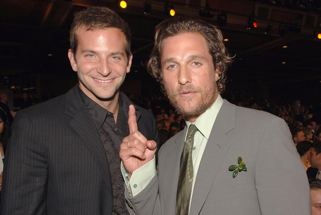 "<a href=""http://movies.yahoo.com/movie/contributor/1804751131"">Bradley Cooper</a> and <a href=""http://movies.yahoo.com/movie/contributor/1800018907"">Matthew McConaughey</a> at the 32nd Annual People's Choice Awards - 01/10/2006"