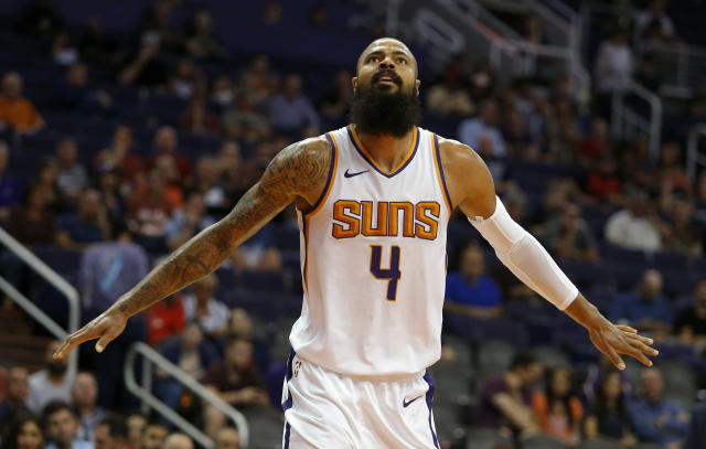 """<a class=""""link rapid-noclick-resp"""" href=""""/nba/players/3512/"""" data-ylk=""""slk:Tyson Chandler"""">Tyson Chandler</a> officially signed with the <a class=""""link rapid-noclick-resp"""" href=""""/nba/teams/lal"""" data-ylk=""""slk:Los Angeles Lakers"""">Los Angeles Lakers</a> on Tuesday after clearing waivers. (AP Photo/Rick Scuteri)"""