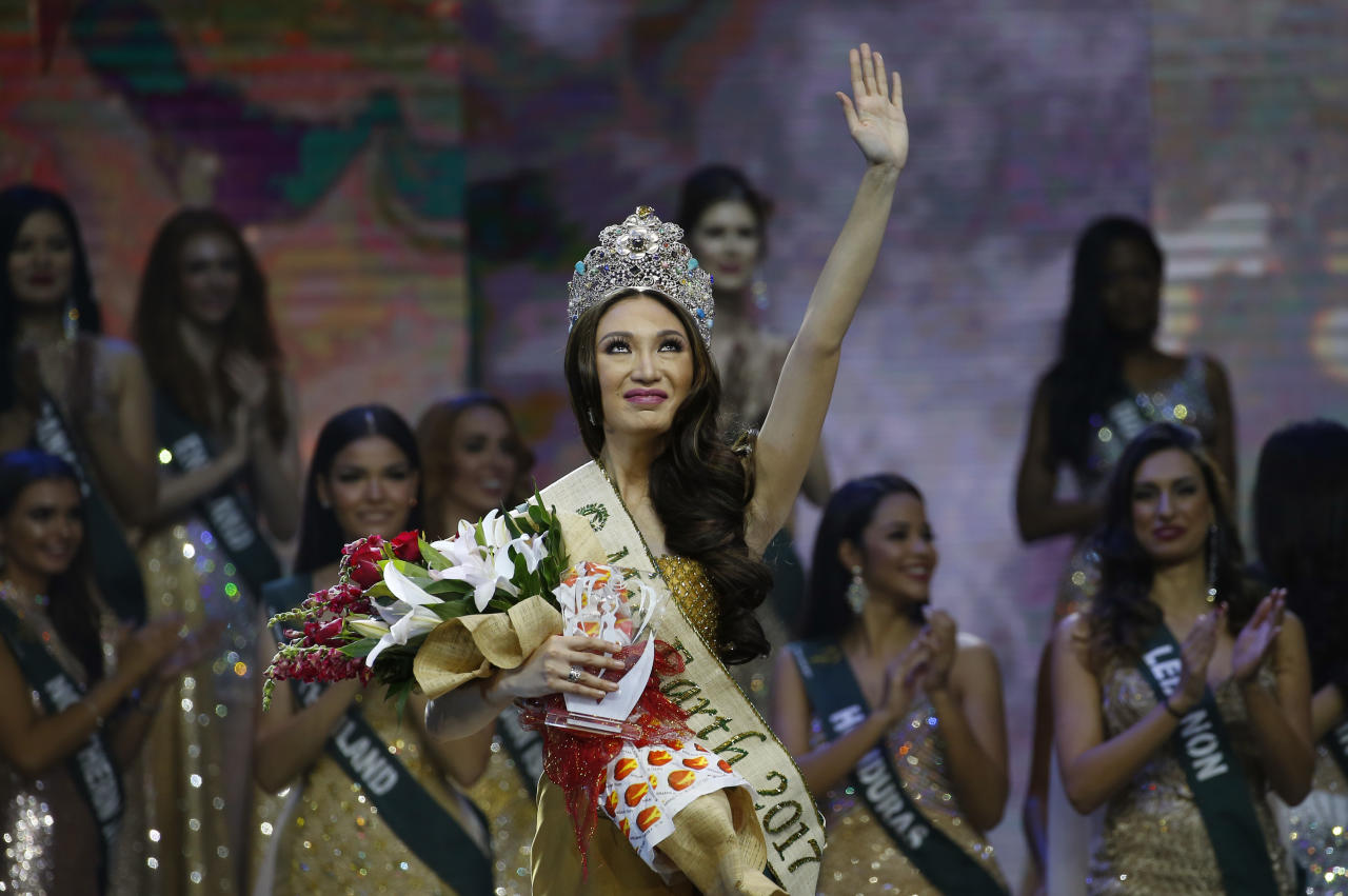 <p>Karen Ibasco of the Philippines wins the Miss Earth 2017 pageant (Photo: Associated Press) </p>