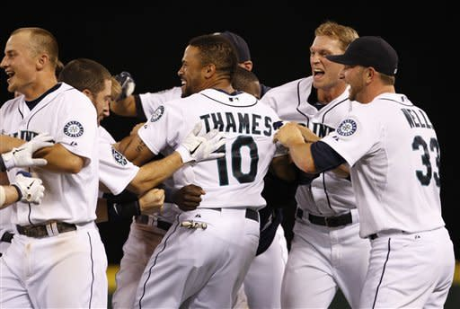 Thames' 2-out hit in 9th lifts Mariners over Rays