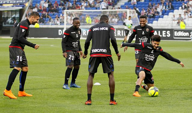 Soccer Football - Ligue 1 - Olympique Lyonnais vs OGC Nice - Groupama Stadium, Lyon, France - May 19, 2018 Lyon players during the warm up before the match REUTERS/Emmanuel Foudrot