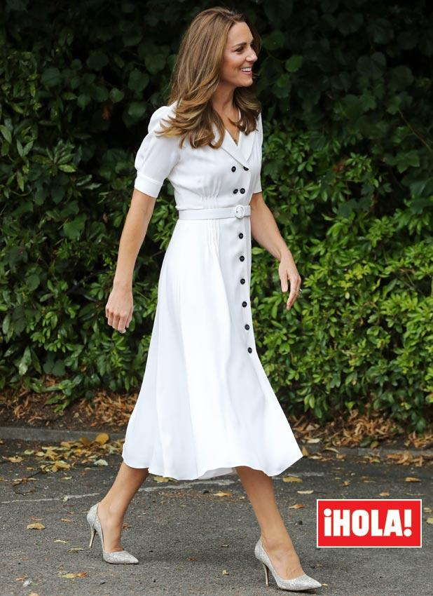 Kate Middleton, vestido camisero blanco
