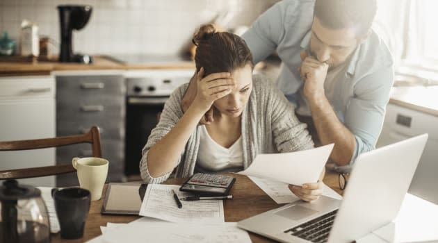 Survey: Student Loan Borrowers Pay More Than 20% of Income on Repayment