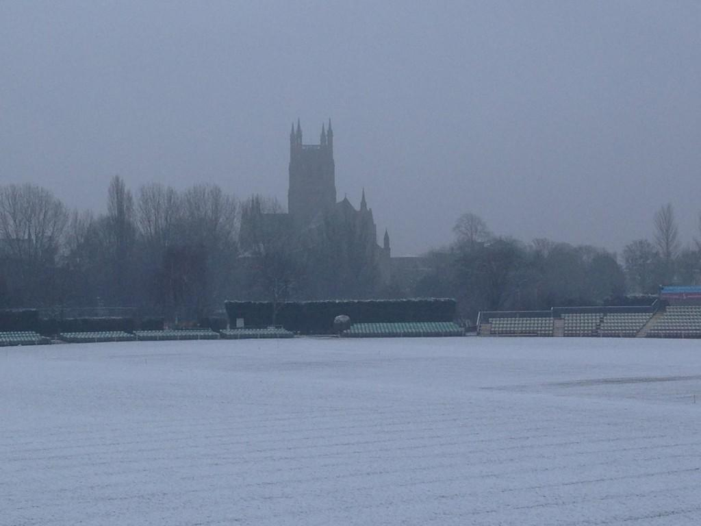 WorcsCCC Worcestershire CCC - New Road is a winter wonderland today! pic.twitter.com/NSeyjQU7