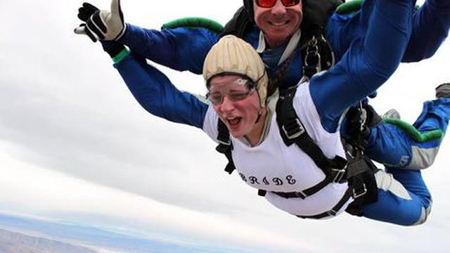 Skydiving Lovebirds Fall Into Marriage