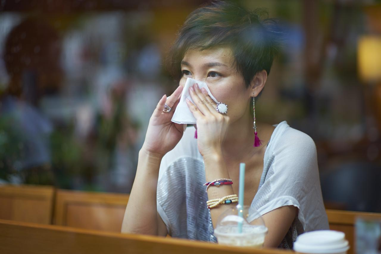 """<p>Each year, more than 30 million Americans suffer from headaches, facial pressure, and nasal congestion caused by sinus infections. If an infection is particularly severe, antibiotics may be necessary. But maybe not.</p> <p> """"Just because you have sinus symptoms doesn't necessarily mean you have an infection,"""" says Andrew Lane, MD, director of the Johns Hopkins Sinus Center in Baltimore. """"But if more than a week goes by and your symptoms worsen rather than wane, you might have a bacterial sinus infection.""""</p> <p> There are many nondrug options that can help prevent and relieve sinus symptoms. Here are 10 popular choices.</p> <p><strong>RELATED: <a href=""""https://www.health.com/cold-flu-sinus/home-remedies-sinus-infection"""">The 7 Best Home Remedies for Sinus Infections</a></strong></p>"""