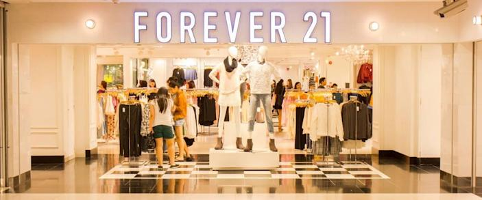 SINGAPORE - OCT 19 : Forever 21 Store at ION Orchard shopping mall on October 19, 2014
