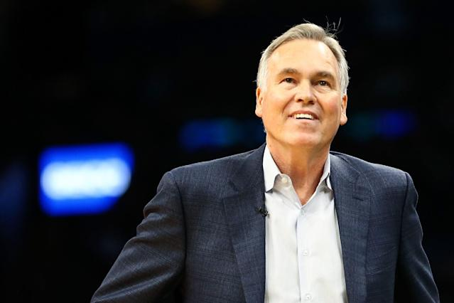 """<a class=""""link rapid-noclick-resp"""" href=""""/nba/teams/houston/"""" data-ylk=""""slk:Rockets"""">Rockets</a> head coach Mike D'Antoni could be staying in Houston for the long run. (Photo by Adam Glanzman/Getty Images)"""