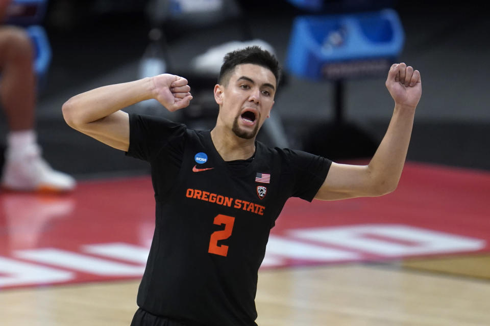Oregon State guard Jarod Lucas (2) celebrates a basket against Tennessee during the second half of a men's college basketball game in the first round of the NCAA tournament at Bankers Life Fieldhouse in Indianapolis, Friday, March 19, 2021. Oregon State won 70-56. (AP Photo/Paul Sancya)