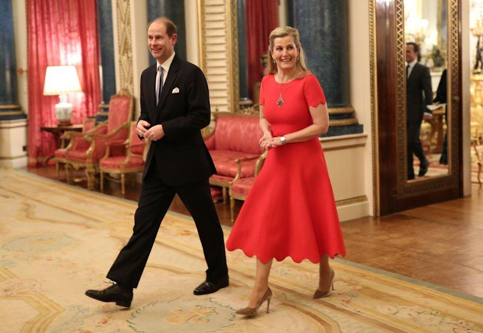 <p>The Countess often wears outfits with clean lines and bold tones. To celebrate her birthday in 2020, Sophie chose this red dress with a scalloped hem. </p>