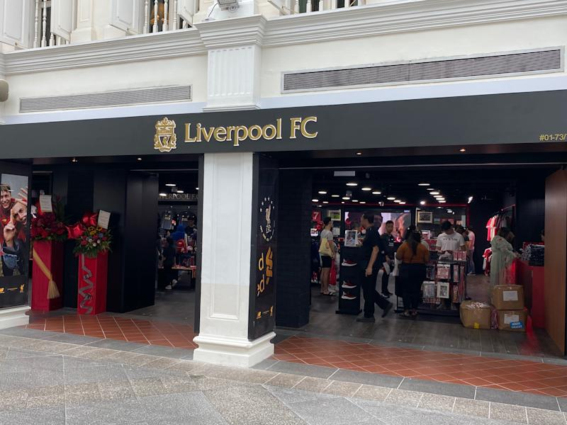 Liverpool FC official store in Bugis Junction. (PHOTO: Chia Han Keong/Yahoo News Singapore)