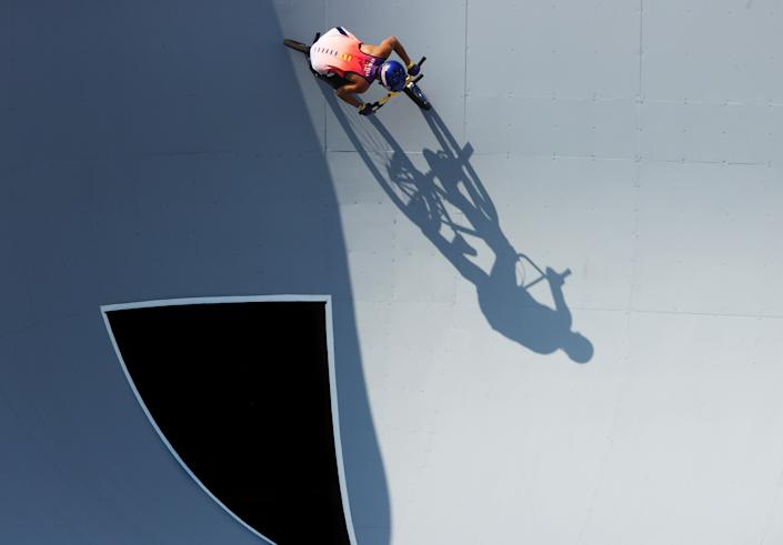 <p>Daniel Dhers of Team Venezuela practices a trick prior to the Men's Park Final of the BMX Freestyle on day nine of the Tokyo 2020 Olympic Games at Ariake Urban Sports Park on August 01, 2021 in Tokyo, Japan. (Photo by Ezra Shaw/Getty Images)</p>