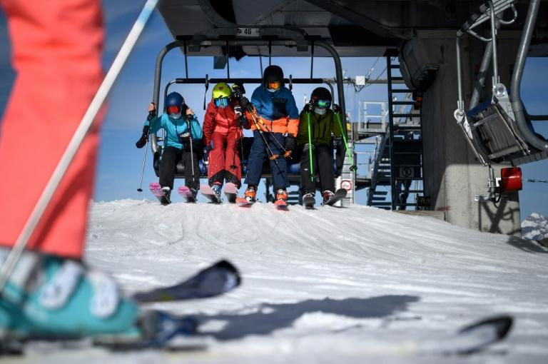 Recreational skiers are flocking to the slopes as the season gets underway in Switzerland