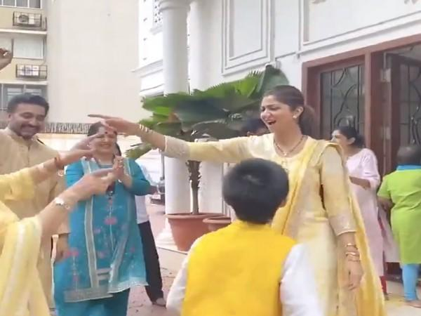 A still from the video shared by actor Shilpa Shetty (Image source: Twitter)