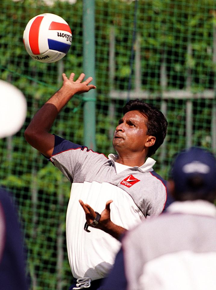 22 Dec 1999:  Javagal Srinath of India playing volleyball, during training at the Melbourne Cricket Ground, Melbourne, Australia. Mandatory Credit: Hamish Blair/ALLSPORT