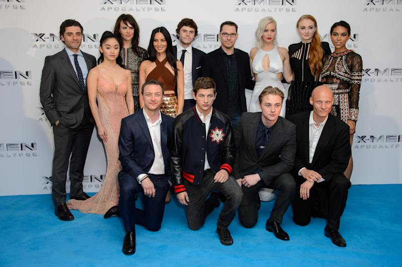 Oscar Isaac, Lana Condor, Carolina Bartczak, Olivia Munn, Evan Peters, Director Bryan Singer, Jennifer Lawrence, Sophie Turner and Alexandra Shipp, James McAvoy, Tye Sheridan, Ben Hardy, Thomas Lemarquis pose for photographers upon arrival at the screening of the film 'X-Men: Apocalypse' at a central London cinema, London, Monday, May 9, 2016. (Photo by Jonathan Short/Invision/AP)